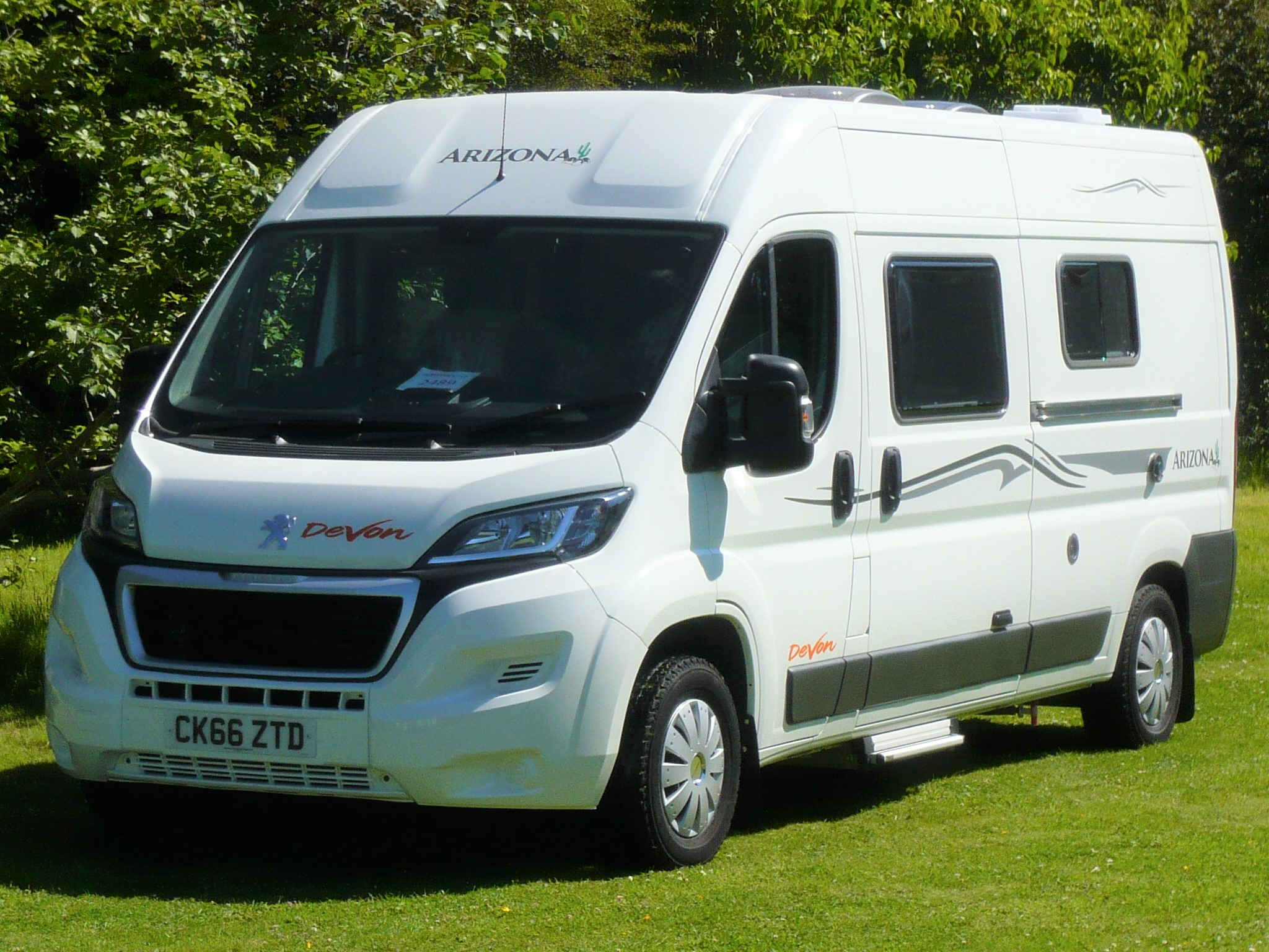 Devon Arizona Twin - 2 berth 4 belted seats
